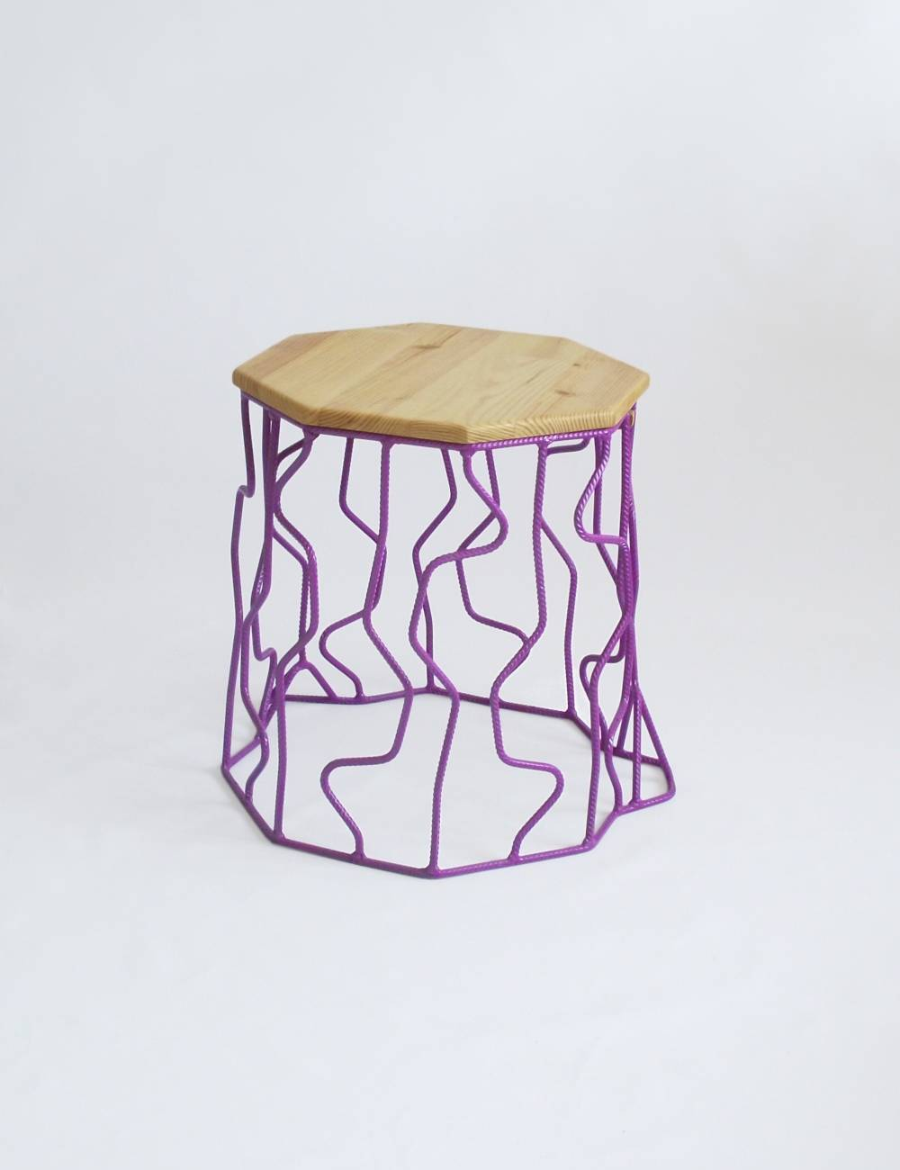 Wired stump stool